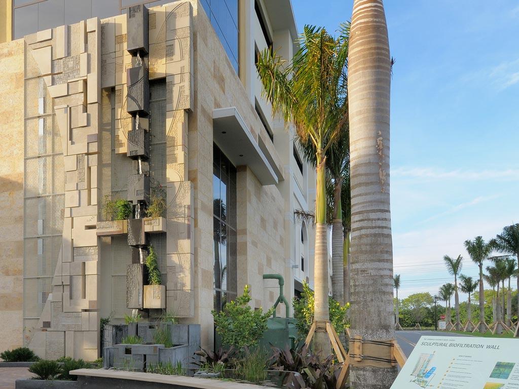 Michael_Singer_Seminole_Sculptural_Biofiltration_Wall_thumb2