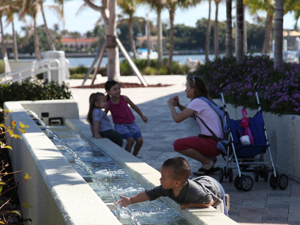 Michael_Singer_West_Palm_Beach_Water_Gardens_thumb